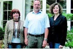 Informierten über die Ziele der SPD im Kreis: Ulla Ecks, Klaus Tönshoff und Ulrike Boden  Foto: Ullrich Weilland