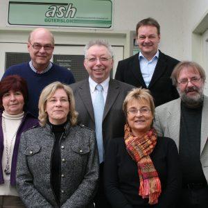 Schlagen Alarm: Ulla Ecks (von links), Jürgen Delker (ash), Brigitte Kaese (Pro Arbeit), Klaus Brandner MdB, Angelika Grahl (ash) und Udo Mescher (GAB)